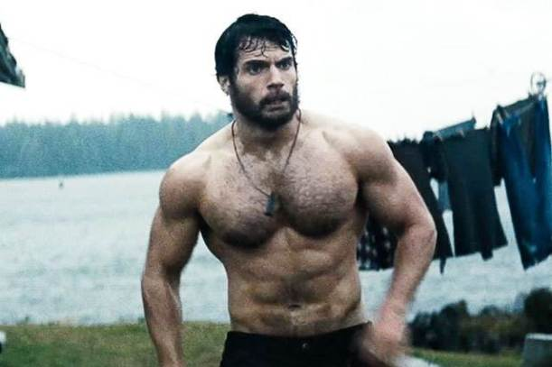 Superman-The-Man-of-Steel-Movie-bearded-Clark-Kent-by-actor-Henry-Cavill